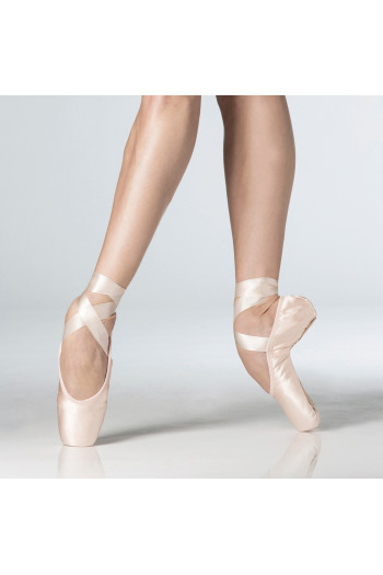 Wear Moi 'La Pointe' pointe shoes TU