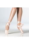 Wear Moi pointe shoes
