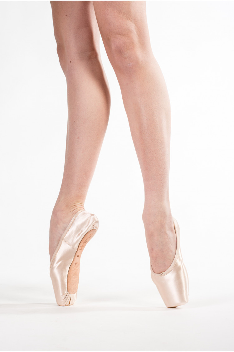 Pointes Shoes Bloch Synthesis