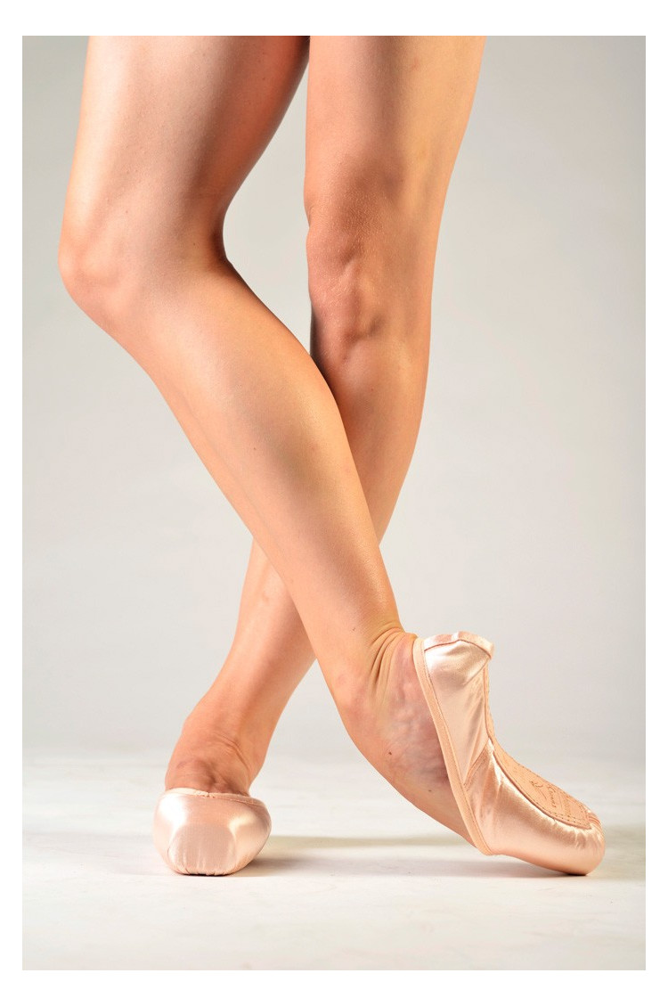 Sansha beginner pointe shoes D101M