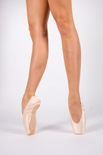 Merlet Rose pointe shoes