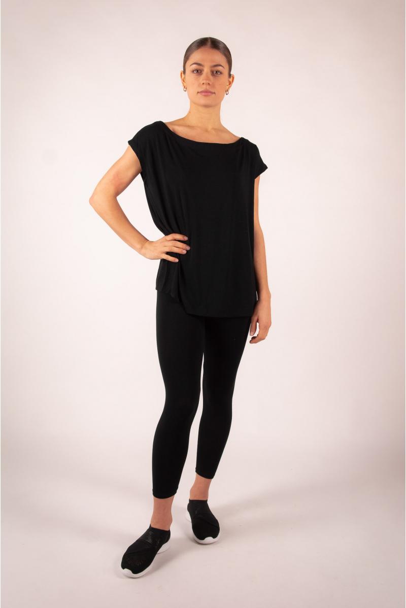 Majestic Filatures black short-sleeved top with boat neck