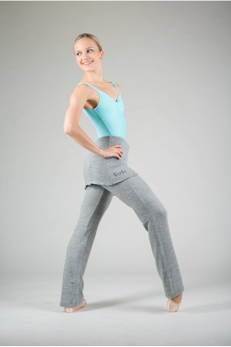 Wear Moi Utami grey warm up pants