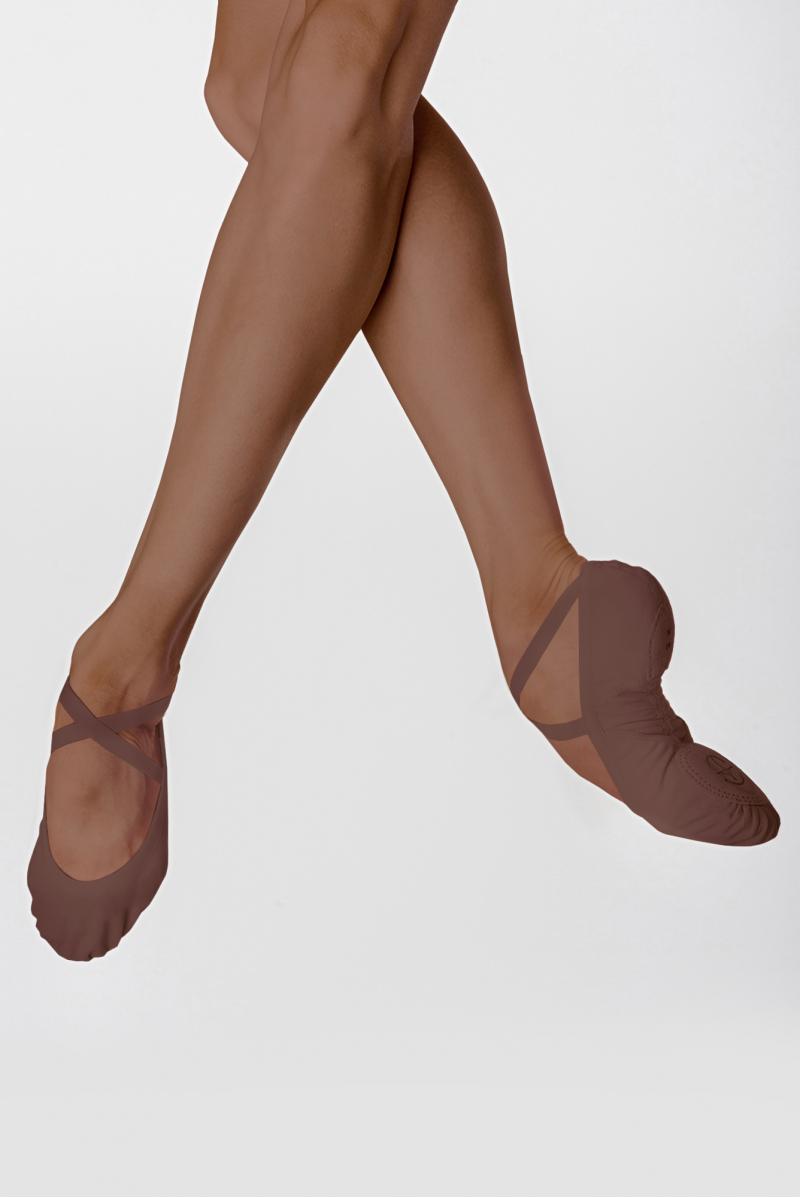 Wear Moi split-sole stretch canvas slippers Vesta Walnut