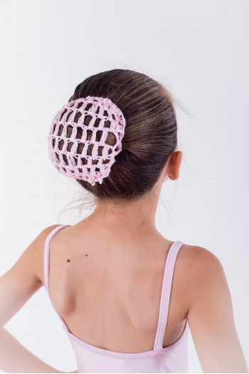 Filet pour chignon en crochet rose