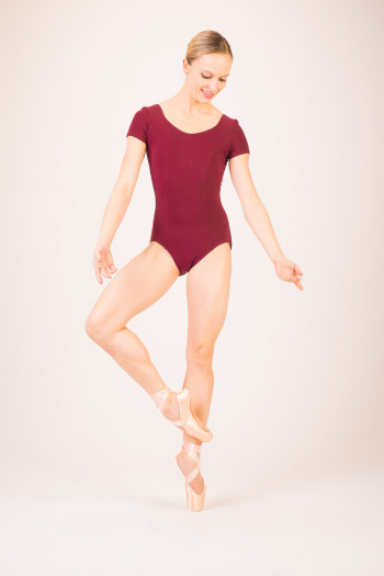 Capezio short sleeves burgundy leotard